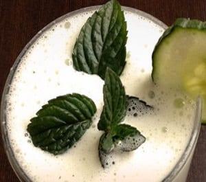 Proteïne shake met komkommer en mint