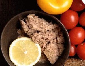 Tonijn salade met broodkruimels