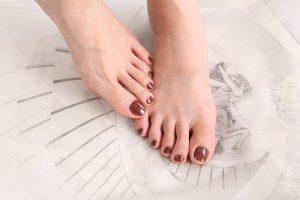 Hoe zorg je als lange afstandsloper voor voeten en teennagels